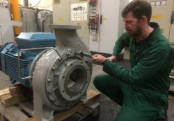 Amarinth designs a bespoke vertically mounted OH1 produced water pump with API 682 plan 13